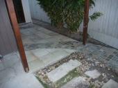 Cobble Wave through sandstone tiles