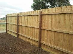 Sleeper Base plinth with standard fence