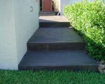 front brick retaining concrete driveway2